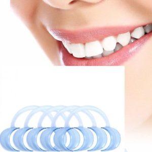 Rétracteur pour les lèvres et les joues